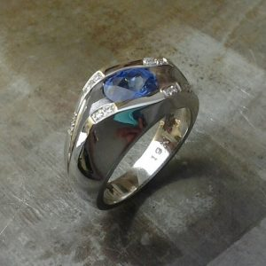 19k men's blue sapphire/diamond ring