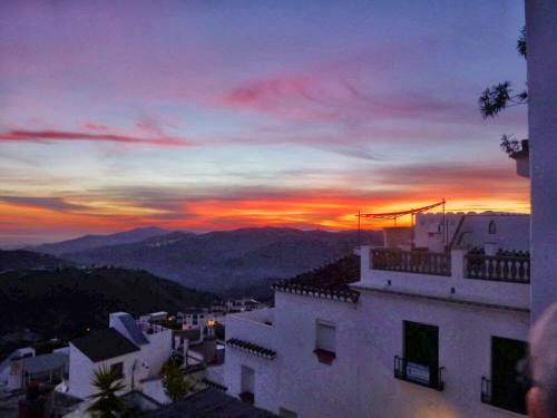 Byhus i bjergbyen Competa i Andalusien, Spanien