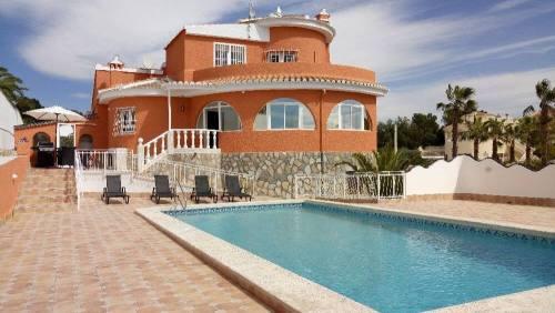 Pool Villa Costa Blanca ved Alicante med 3 værelser og 3 badværelser