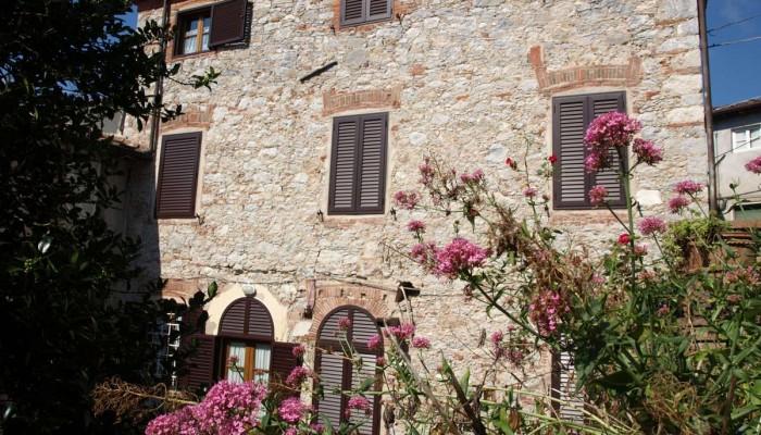 Casa-Grandi-fra-haveside