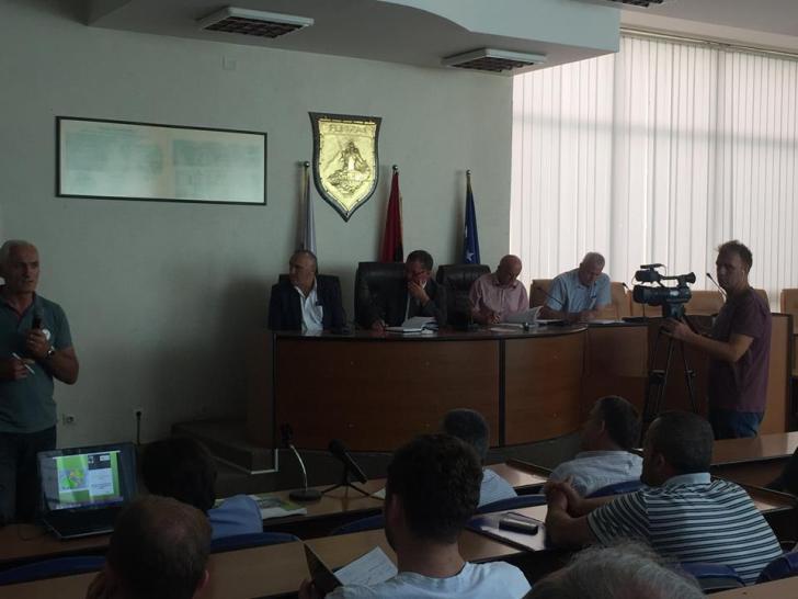 """19477989_10211137116282099_1841993673_n """"Pesëmbëdhjetë shkolla të Ferizajt pajisen me kuti të ndihmës së parë"""" plus 9 more Ferizaj Press"""