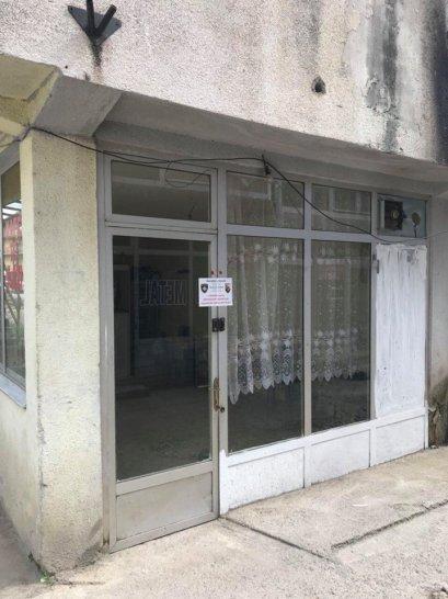 lokali2 Inspektorët  mbyllin  4 lokale për kushte higjienike, dyshohet edhe për dukuri devijante
