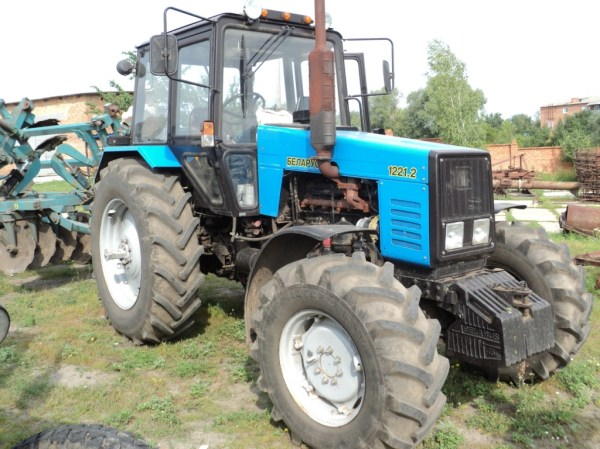 Трактор МТЗ-1221. Технические характеристики, цена, фото и ...