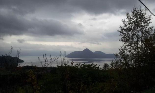 曇天の洞爺湖