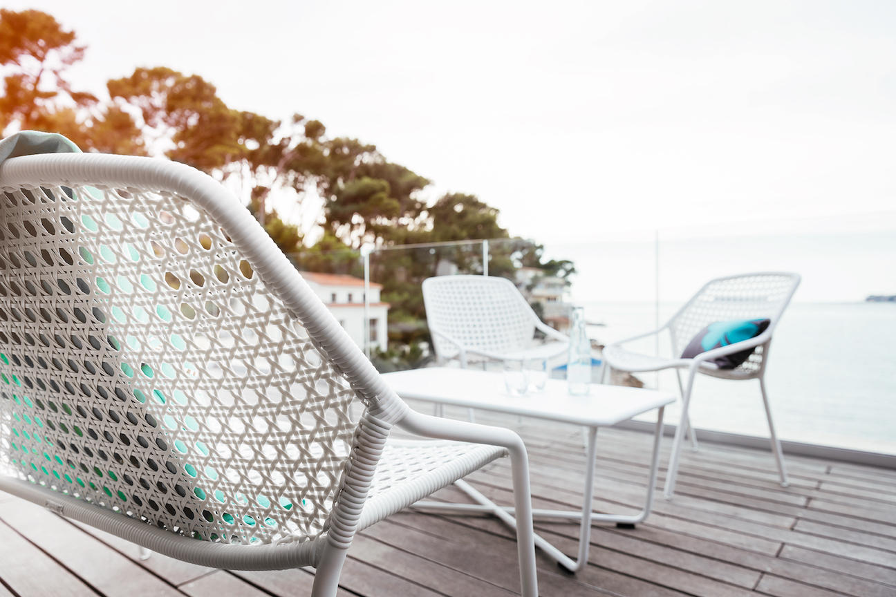 how to select the best material for outdoor furniture fermob usa blog rh fermobusablog com