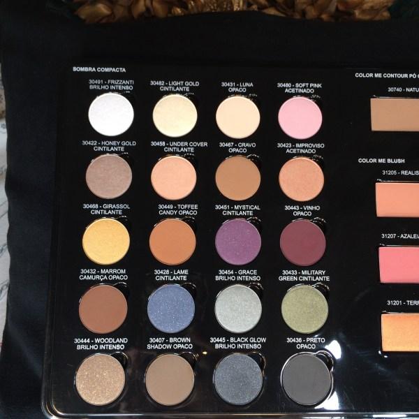 Sombra Color Me para demonstração do programa Maquiador(a) Revendedo(a) da Contém1g