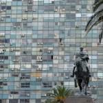 Die Statue von José Gervasio Artigas auf der Plaza Indenpendencia