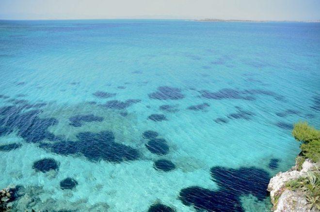 Klarstes Wasser auf der Insel Agistri nur eine Stunde von Athen entfernt