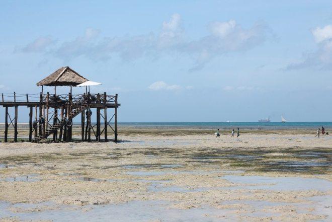 Abfahrt nach Chumbe Island - Strand Sansibar bei Mbweni