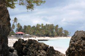 Strandspaziergang in Nungwi - Backpacking Sansibar Rundreise