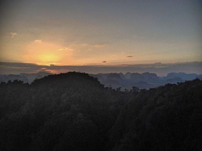 Der Aufstieg zum Tiger Tempel bei Krabi hat sich sowas von gelohnt