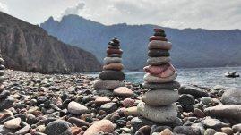 Am Bussaglia Strand an der Westkueste Korsikas