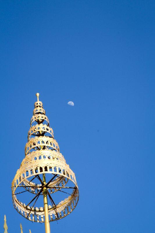 auf tempel berg altstadt von luang prabang