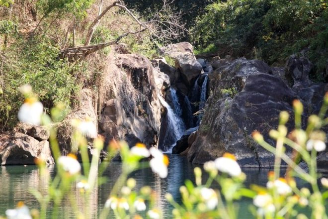 Wasserfall bei Ban Houayxai im Norden von Laos