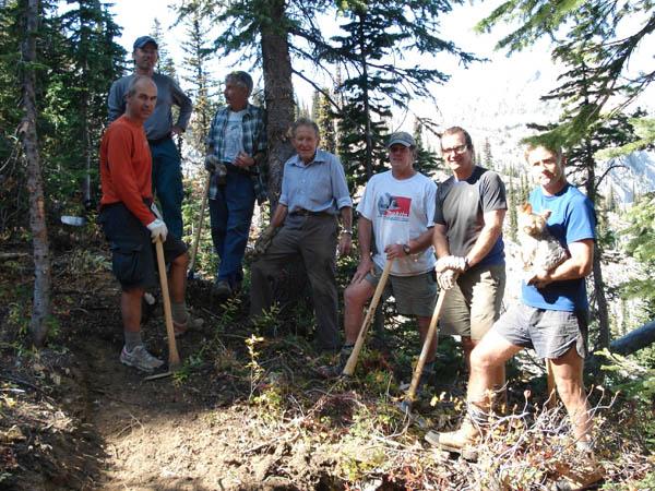 help-heiko-trail-crew.jpg