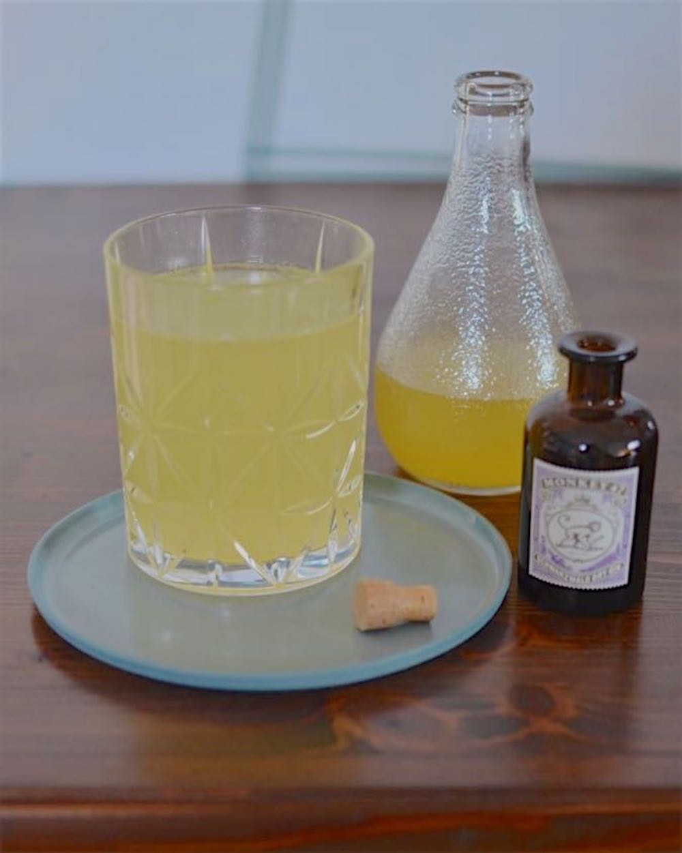 life on fernlane selbstgemachter sirup f r ingwer orangen limonade die auch ganz gut mit gin. Black Bedroom Furniture Sets. Home Design Ideas