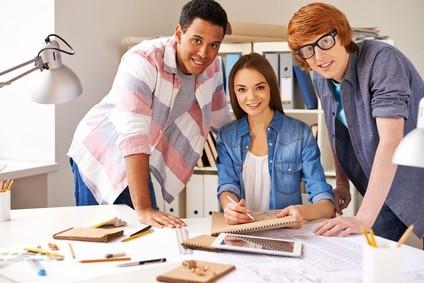 Studieren SIe jetzt das Fernstudium Wirtschaft für Ingenieure an der Ostfalia - Hochschule © pressmaster - Fotolia.com