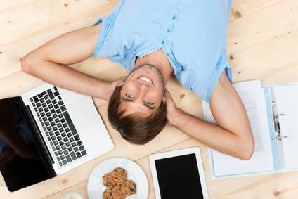 Ein Fernstudium ist einfacher als Sie denken. © contrastwerkstatt - Fotolia.com