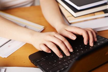 Welche Zulassungsbedingungen muss ich für ein Fernstudium erfüllen? © Tran-Photography - Fotolia.com