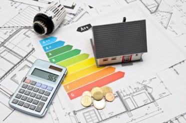 <strong>Ein Energieberater gibt Tipps wie der Kunden schonender mit dem vorhanden Ressourcen umgehen kann.</strong><br/>© Marco2811 - Fotolia.com