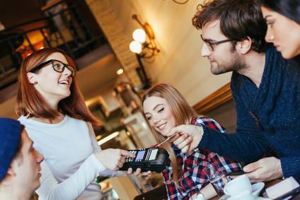 Card4Students ermöglicht ihnen als Student viele Rabatte. © Dangubic - Fotolia.com