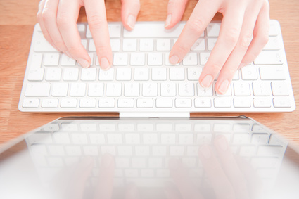 <strong>Mit den Zehn Fingersystem sind Sie in der Lage, schnell große Mengen an Text zu verarbeiten.</strong><br/>© bellycloud - Fotolia.com