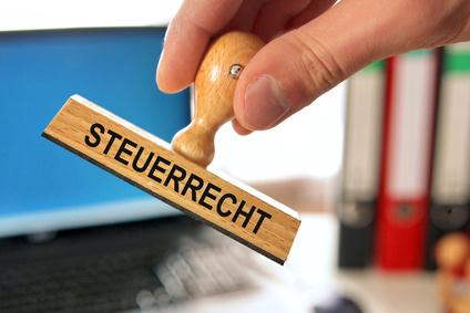 <strong>Werden Sie per Fernstudium Fachanwalt für Steuerrecht.</strong><br /> © Coloures-pic - Fotolia.com