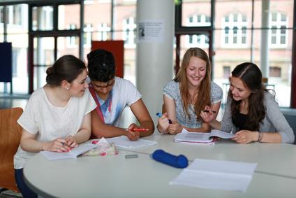 Gemeinsam Lernen bringt Spaß und neue Kontakte. © Christian Schwier - Fotolia.com