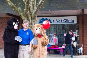 Dr. Michelle Trevilyan outside Foothills Veterinary Clinic. Photo: Barbara Oehring.