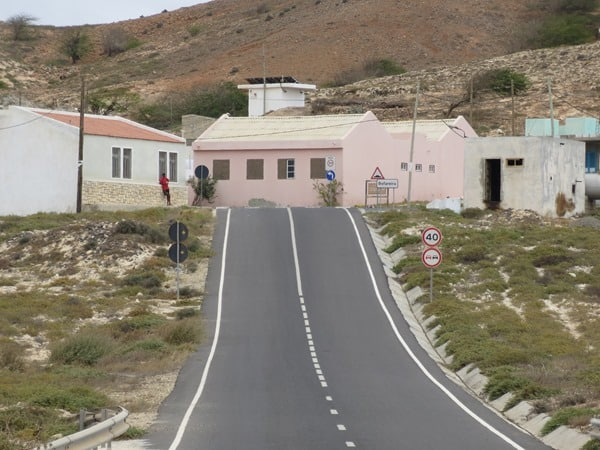 21_Teerstrasse-nach-Bofareira-Boa-Vista-Cabo-Verde-Kapverden