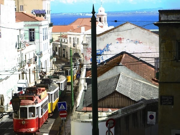14_Carros-Electricos-de-Lisboa-Strassenbahn-Lissabon-Portugal