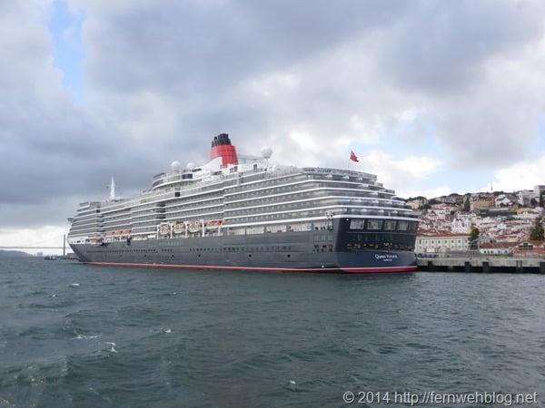 Hafenrundfahrt Lissabon Portugal Kreuzfahrtschiff Queen Victoria Cunard Line Heck