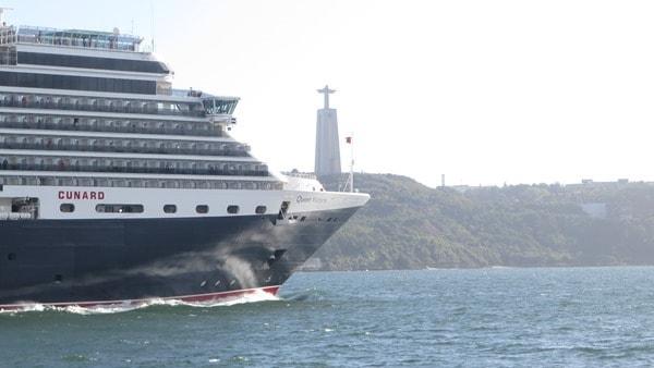 Hafenrundfahrt Lissabon Kreuzfahrtschiff Queen Victoria Cunard Line Cristo Rei Tejo
