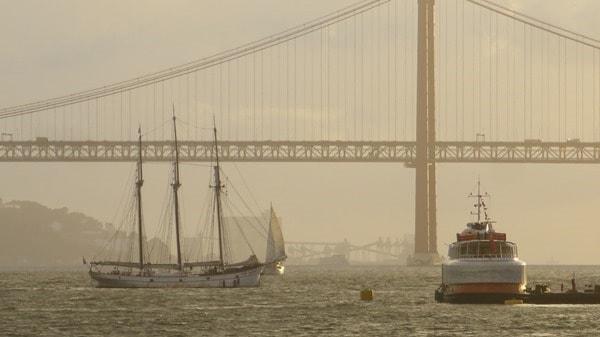 Hafenrundfahrt Lissabon Segelschiff Tejo Fähre Hängebrücke
