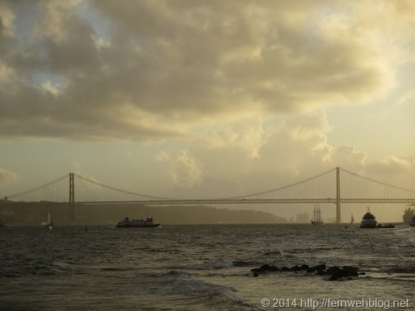 Hafenrundfahrt Lissabon Sonnenuntergang Tejo Hängebrücke