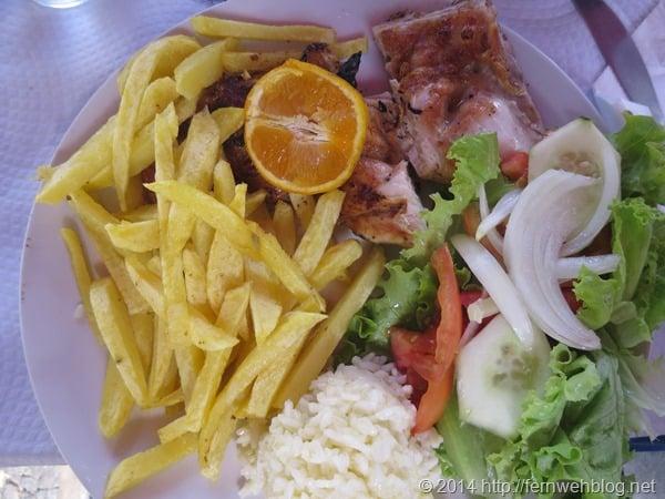 20_Huhn-vom-Grill-Restaurant-A-Nossa-Churrasqueira-Lissabon-Portugal