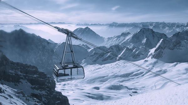 01_Gondelfahrt-Zugspitze-Alpen