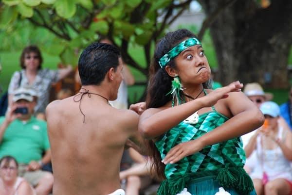 15_Polynesian-Cultural-Center-Maori-Show-funny-Face-2