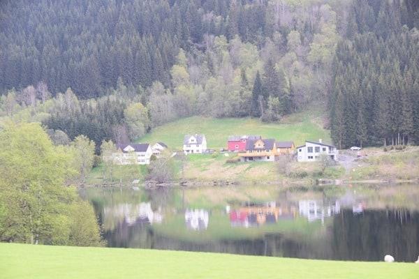 Häuser Lonavatnet Naturreservat Norwegen