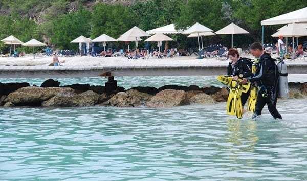 13_Taucher-am-Strand-Playa-Porto-Mari-Beach-Curacao-Karibik-Meer