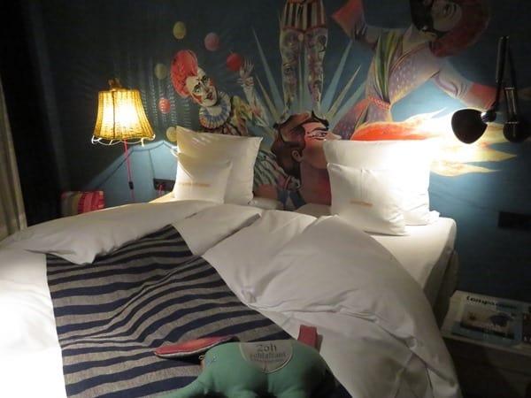 02_Zimmer-25-Hours-Hotel-Museumsquartier-Wien-Oesterreich