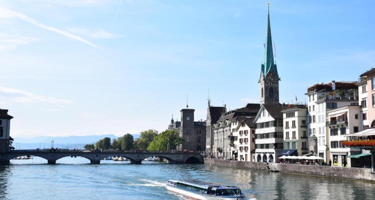 Schweiz Zürich Sehenswürdigkeiten Limmat
