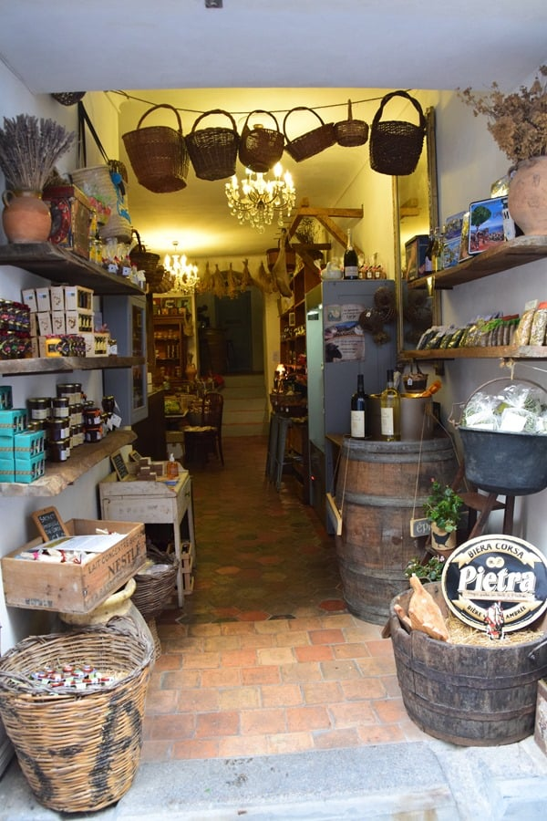 Bonifacio Korsika Altstadt Zitadelle Einkaufen Shopping Frankreich