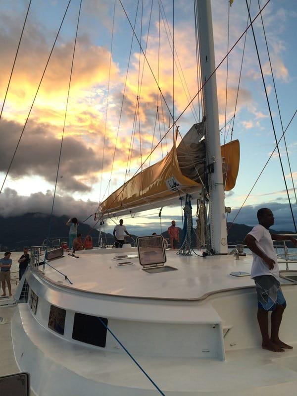 02_Sonnenuntergang-auf-Katamaran-Le-Gauguin-VPM-Bestsail-Seychellen