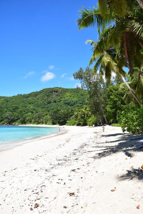 12_Traumstrand-Anse-Takamaka-Chez-Batista-Mahe-Seychellen