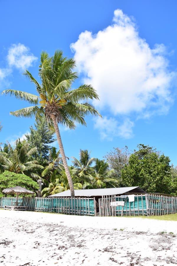 26_Barbecue-Huette-Traumstrand-Naturschutzgebiet-Marine-National-Park-Curieuse-Seychellen
