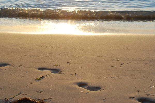 Hochzeitsreise wohin Malediven Flitterwochen exklusiv Sandstrand Sonnenuntergang