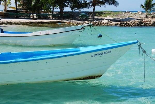 12_Boote-am-Strand-Saona-Beach-Dominikanische-Republik-Karibik