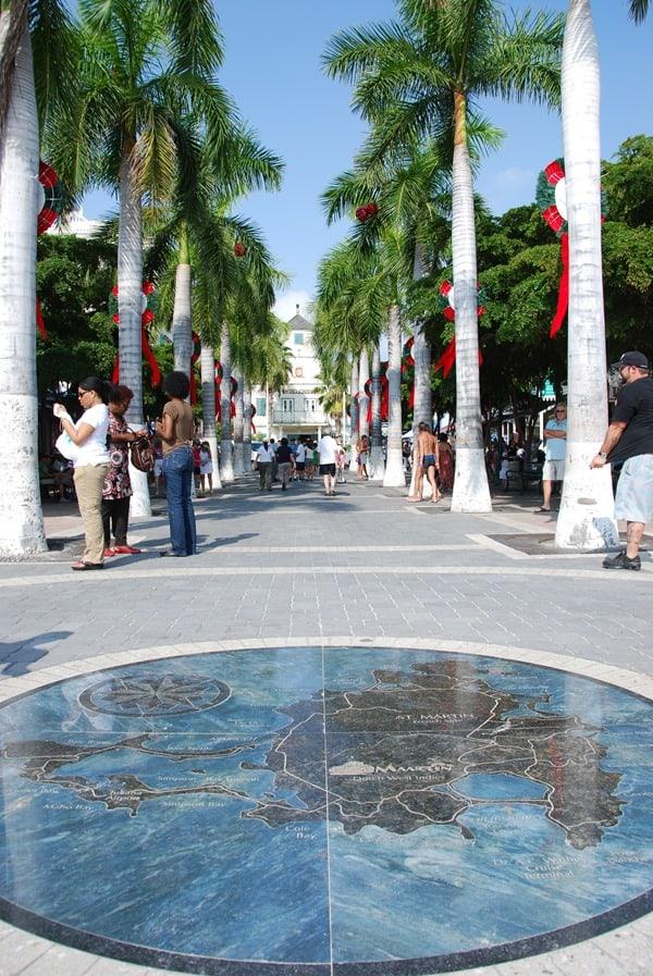 Saint-Martin-Karibik-Promenade-Hauptstrasse