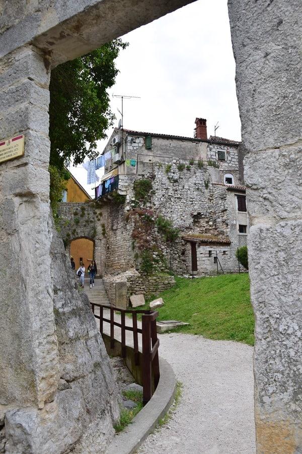 Porec Kroatien Torbogen Altstadt Istrien